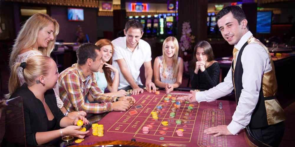 People play world roulette in the casino